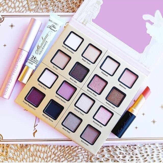 Set trang điểm Too Faced Sugar Plum Fun0